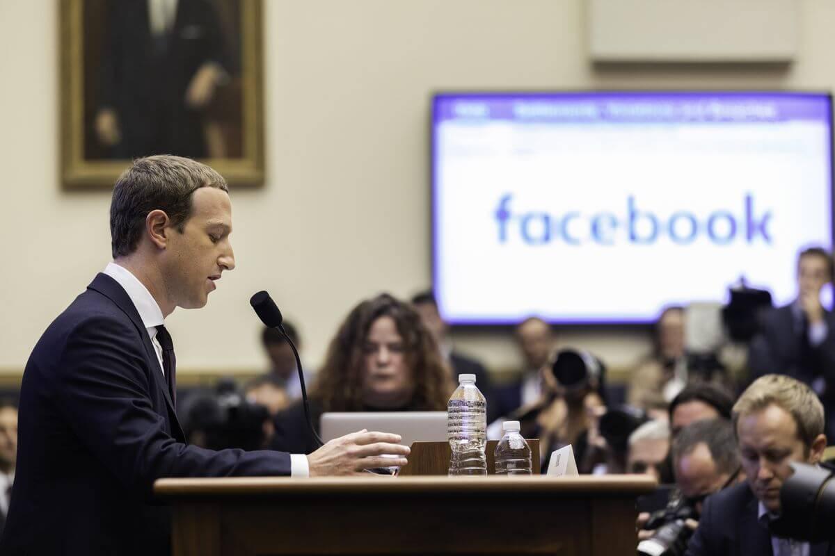 Photo of 86: Facebook y las propagandas falsas